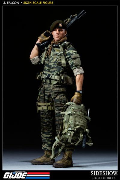 [Bild: 100037-green-beret-lieutenant-falcon-001.jpg]