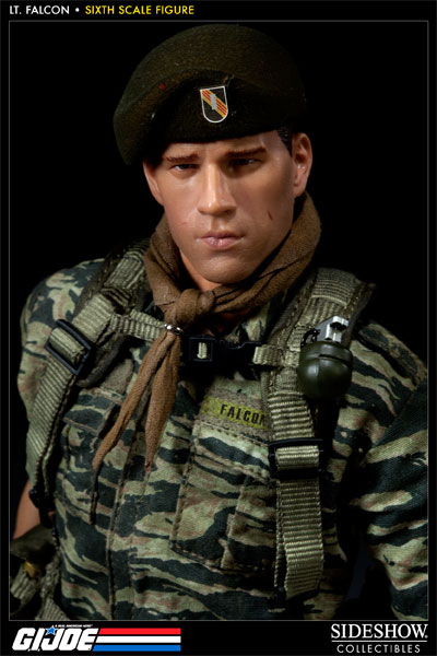 [Bild: 100037-green-beret-lieutenant-falcon-002.jpg]