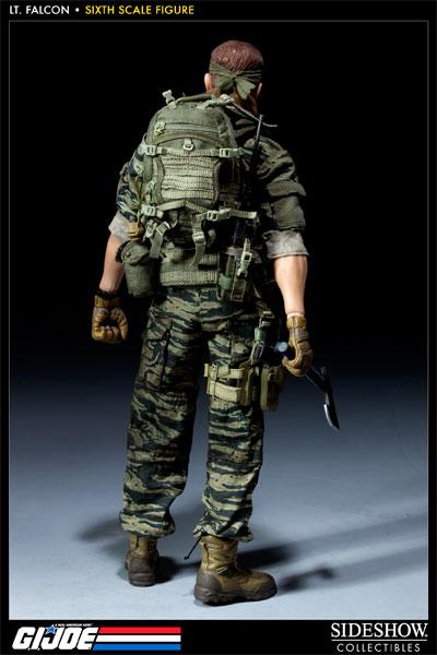 [Bild: 100037-green-beret-lieutenant-falcon-007.jpg]