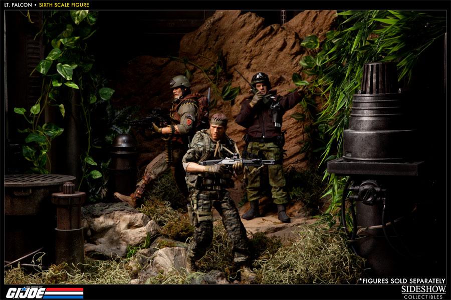 [Bild: 100037-green-beret-lieutenant-falcon-008.jpg]