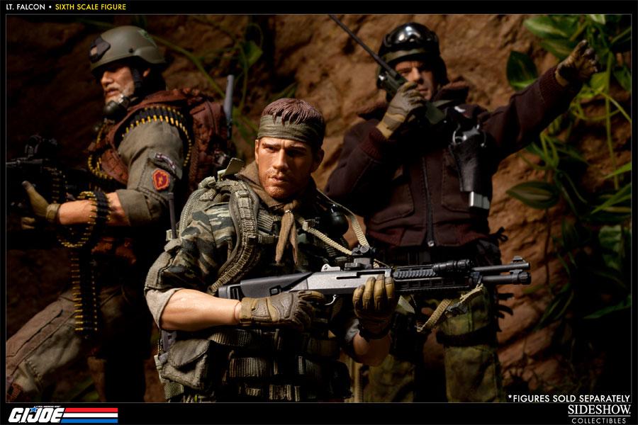 [Bild: 100037-green-beret-lieutenant-falcon-010.jpg]