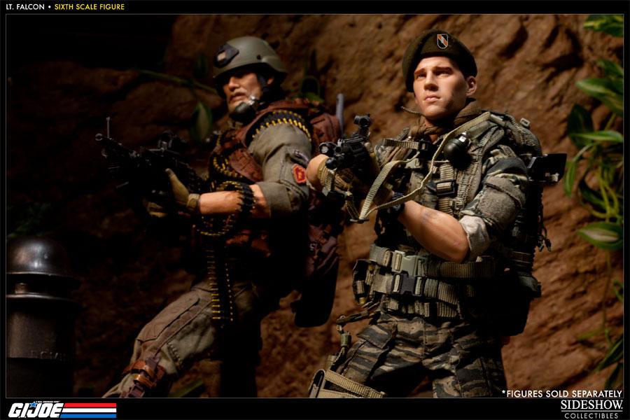 [Bild: 100037-green-beret-lieutenant-falcon-012.jpg]