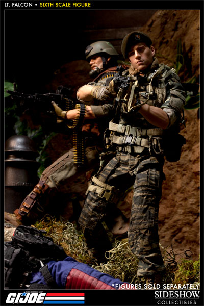 [Bild: 100037-green-beret-lieutenant-falcon-013.jpg]
