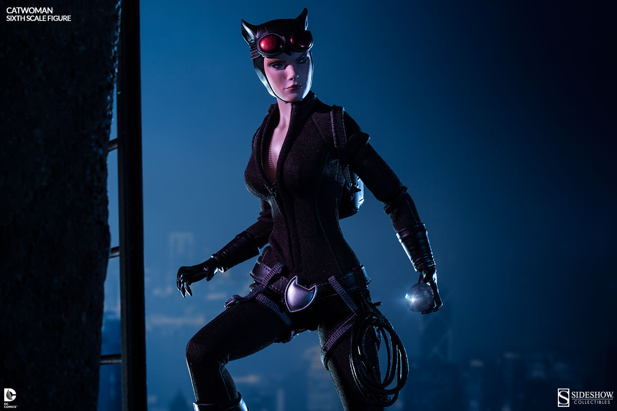 [Sideshow] DC Comics: Catwoman Sixth Scale Figure 100164-catwoman-004