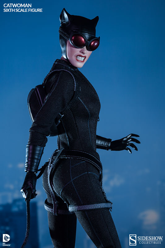 [Sideshow] DC Comics: Catwoman Sixth Scale Figure 100164-catwoman-005