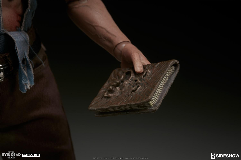 [Bild: evil-dead-2-ash-sixth-scale-100349-14.jpg]