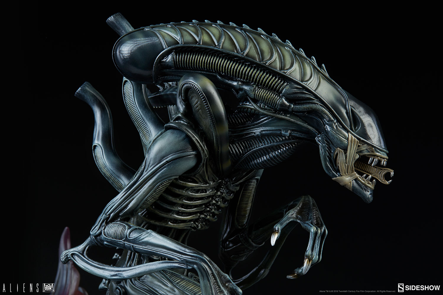 aliens alien warrior statue by sideshow collectibles sideshow