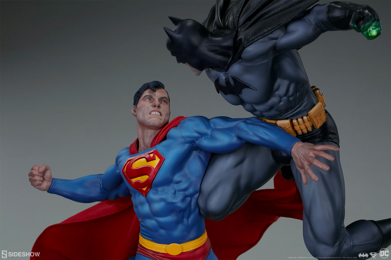 dc comics batman vs superman diorama by sideshow sideshow collectibles
