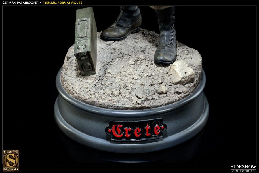 [Bild: 300008-battle-of-crete-german-paratrooper-006.jpg]