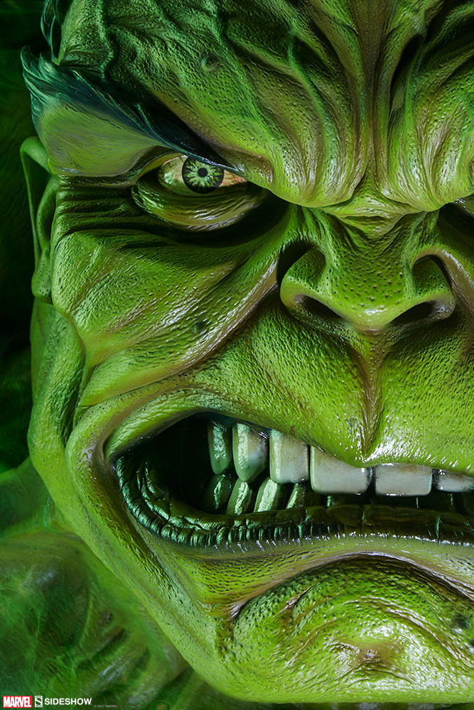 Marvel the incredible hulk life size bust by sideshow