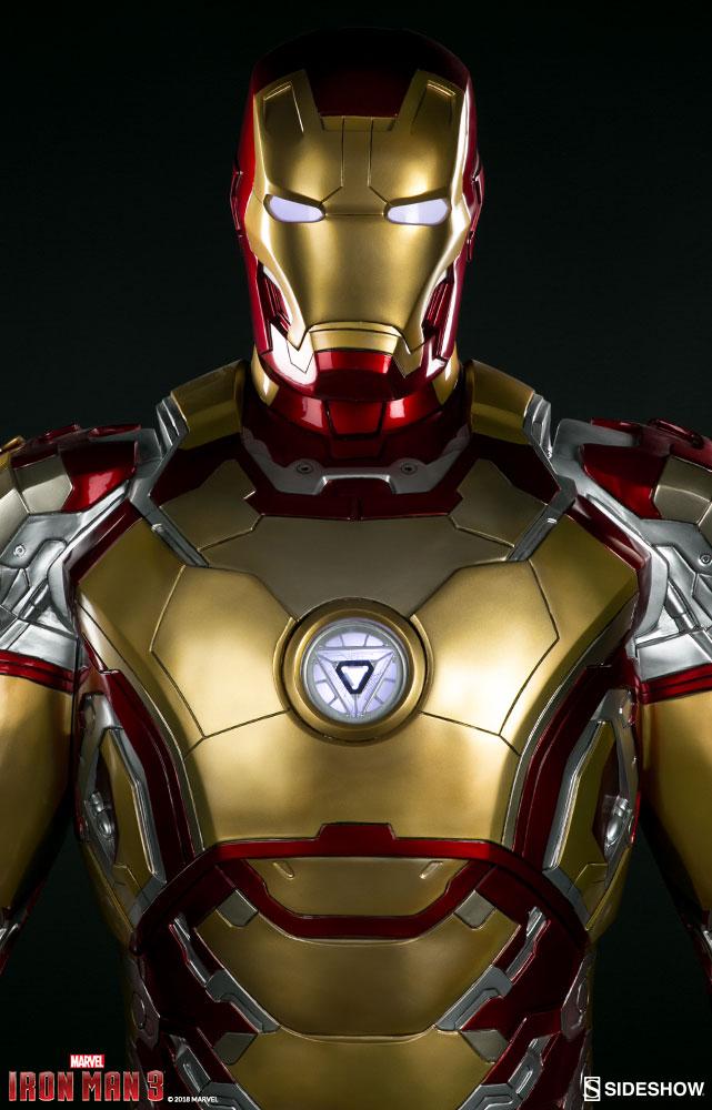 Marvel Iron Man Mark 42 Life-Size Figure by Sideshow ...