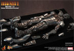 Hot Toys Iron Man Mark II - Armor Unleashed Version Sixth Scale Figure