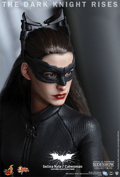 selina kyle Catwoman #39 was released yesterday and confirmed what many fans have  guessed over the years about everyone's favorite cat burglar.