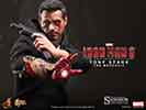 Hot Toys Tony Stark (The Mechanic) Sixth Scale Figure