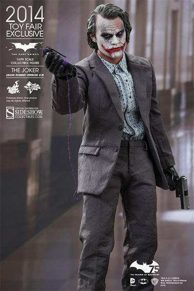 https://www.sideshowtoy.com/assets/products/902210-the-joker-bank-robber-version-2-0/lg/902210-the-joker-bank-robber-version-2-0-003.jpg