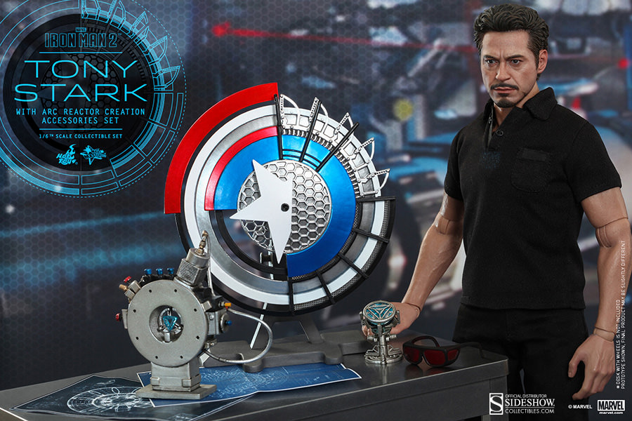Hot Toys Tony Stark with Arc Reactor Creation Accessories Collectible ...