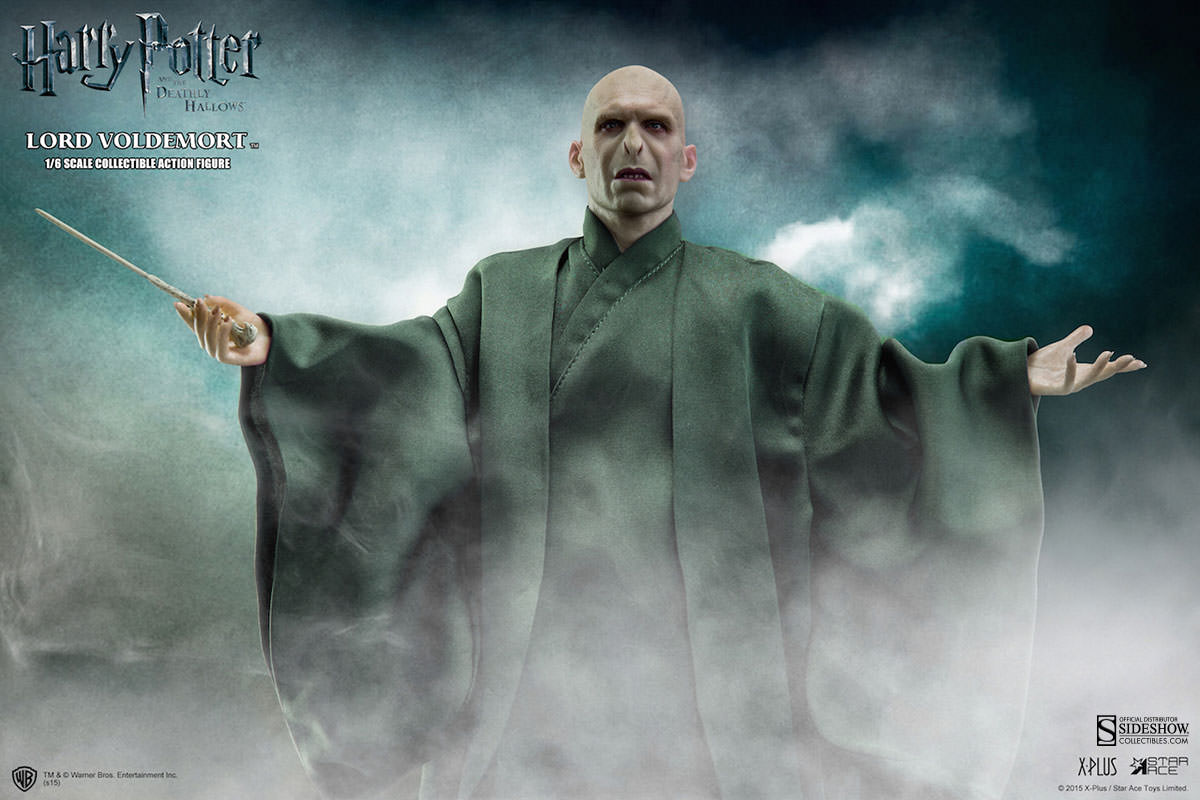 http://www.sideshowtoy.com/assets/products/902318-lord-voldemort/lg/902318-lord-voldemort-001.jpg