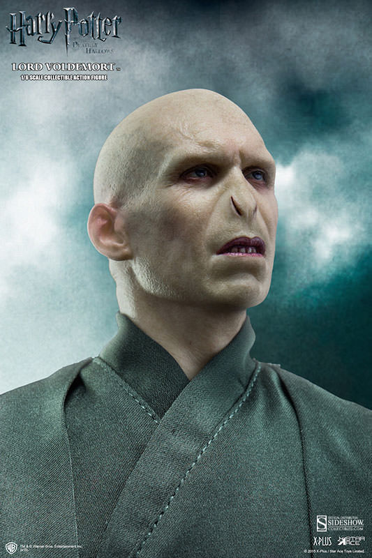 http://www.sideshowtoy.com/assets/products/902318-lord-voldemort/lg/902318-lord-voldemort-002.jpg