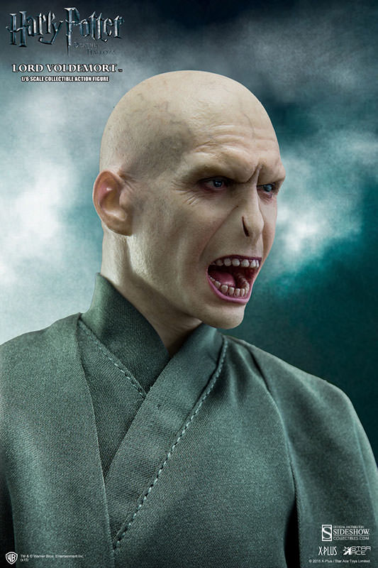 http://www.sideshowtoy.com/assets/products/902318-lord-voldemort/lg/902318-lord-voldemort-003.jpg