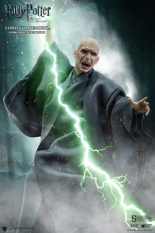 http://www.sideshowtoy.com/assets/products/902318-lord-voldemort/lg/902318-lord-voldemort-005.jpg