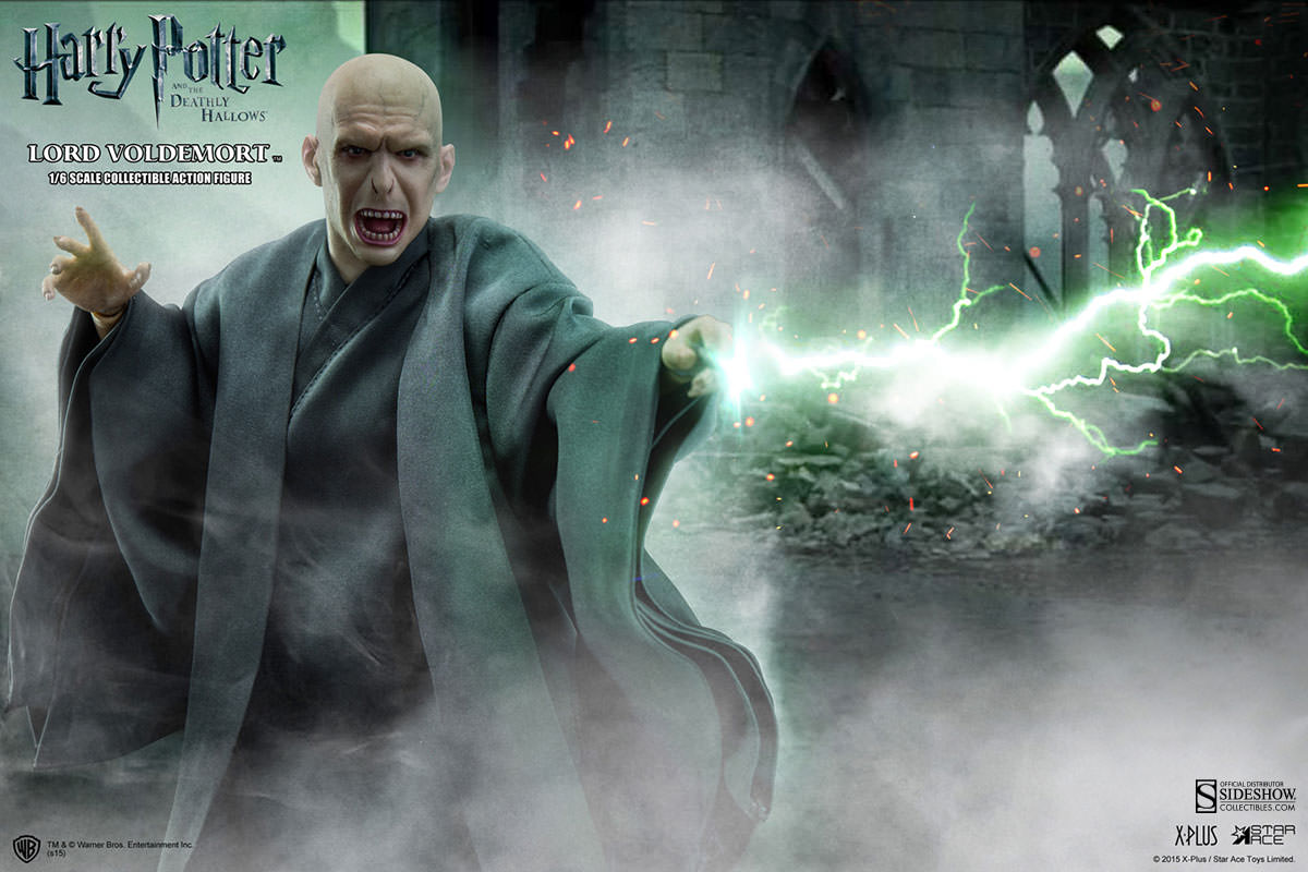 http://www.sideshowtoy.com/assets/products/902318-lord-voldemort/lg/902318-lord-voldemort-006.jpg
