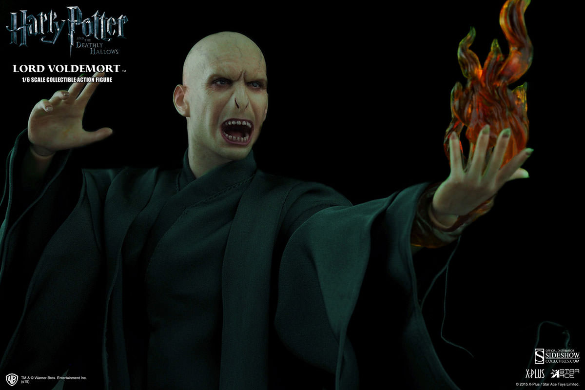 http://www.sideshowtoy.com/assets/products/902318-lord-voldemort/lg/902318-lord-voldemort-008.jpg