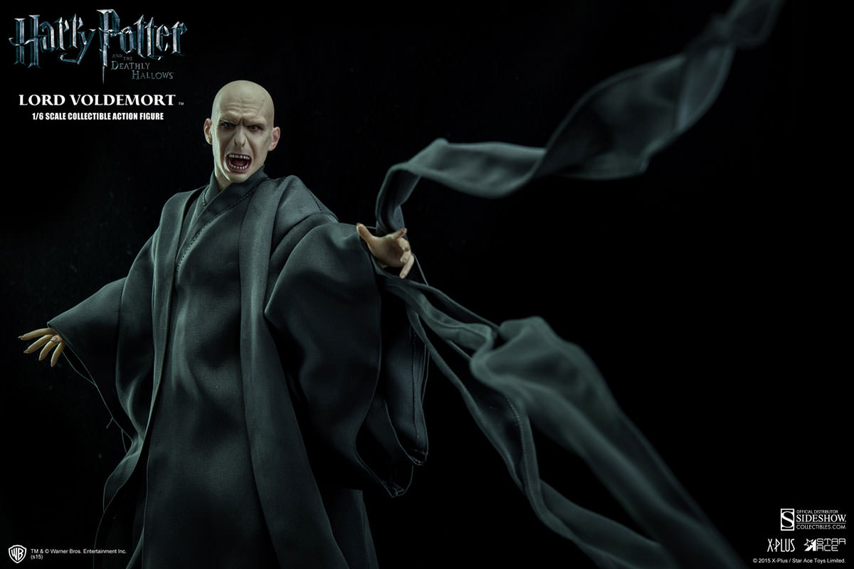 http://www.sideshowtoy.com/assets/products/902318-lord-voldemort/lg/902318-lord-voldemort-009.jpg