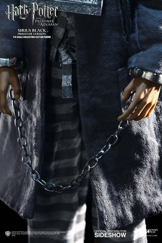 http://www.sideshowtoy.com/assets/products/902445-sirius-black-prisoner-version/lg/902445-sirius-black-prisoner-version-06.jpg