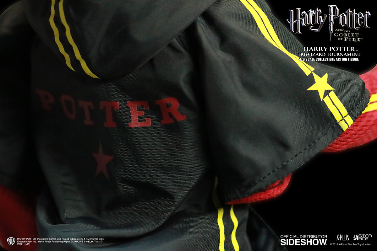 http://www.sideshowtoy.com/assets/products/902514-harry-potter-triwizard-tournament-version/lg/902514-harry-potter-triwizard-tournament-version-05.jpg