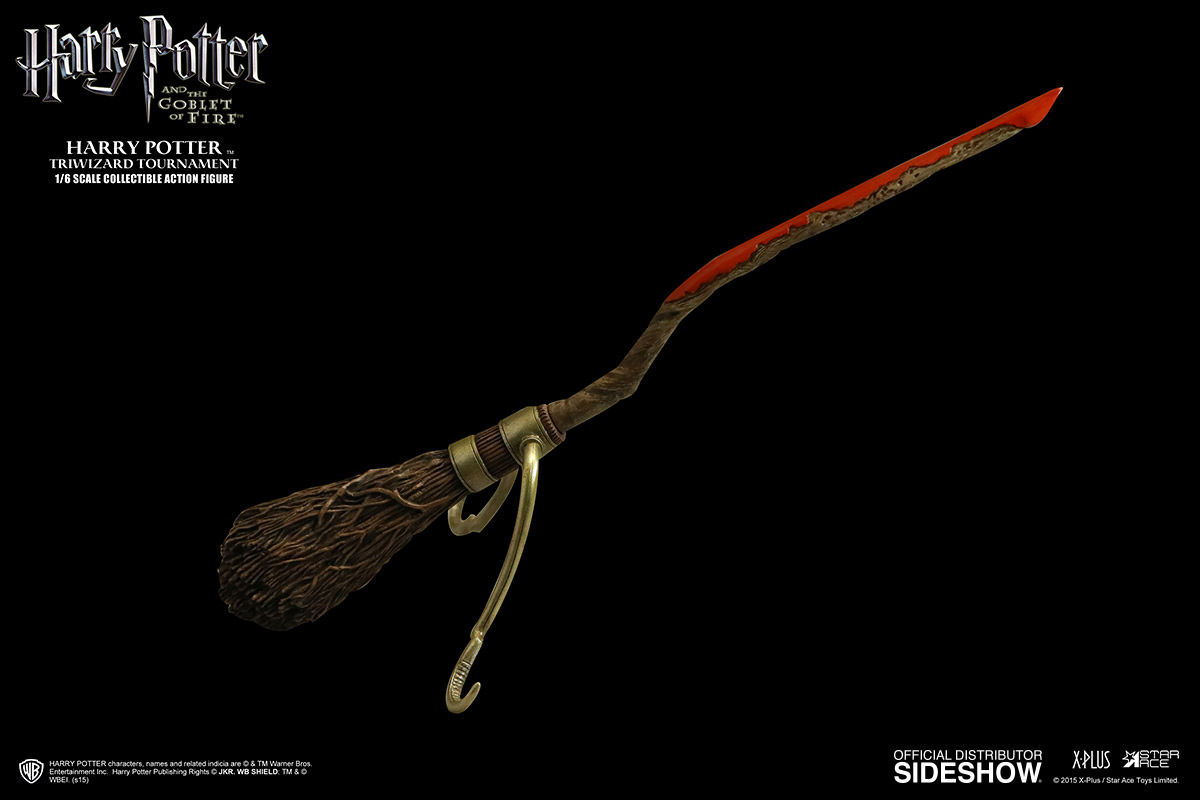 http://www.sideshowtoy.com/assets/products/902514-harry-potter-triwizard-tournament-version/lg/902514-harry-potter-triwizard-tournament-version-10.jpg