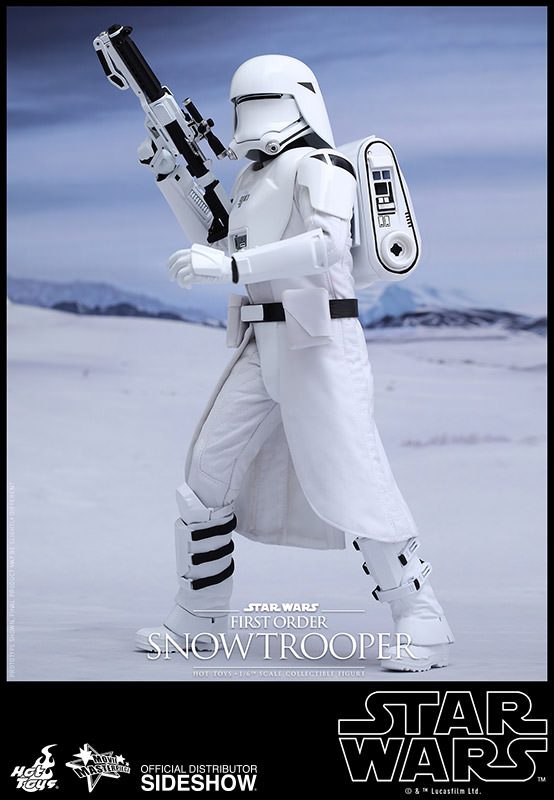 https://www.sideshowtoy.com/assets/products/902551-first-order-snowtrooper/lg/star-wars-first-order-snowtrooper-hot-toys-902551-02.jpg