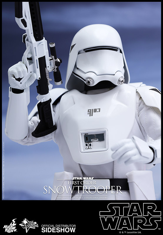 https://www.sideshowtoy.com/assets/products/902551-first-order-snowtrooper/lg/star-wars-first-order-snowtrooper-hot-toys-902551-10.jpg