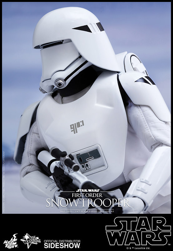 https://www.sideshowtoy.com/assets/products/902551-first-order-snowtrooper/lg/star-wars-first-order-snowtrooper-hot-toys-902551-12.jpg