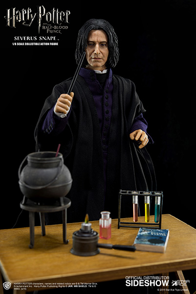 http://www.sideshowtoy.com/assets/products/902576-severus-snape/lg/harry-potter-severus-snape-sixth-scale-star-ace-902576-01.jpg
