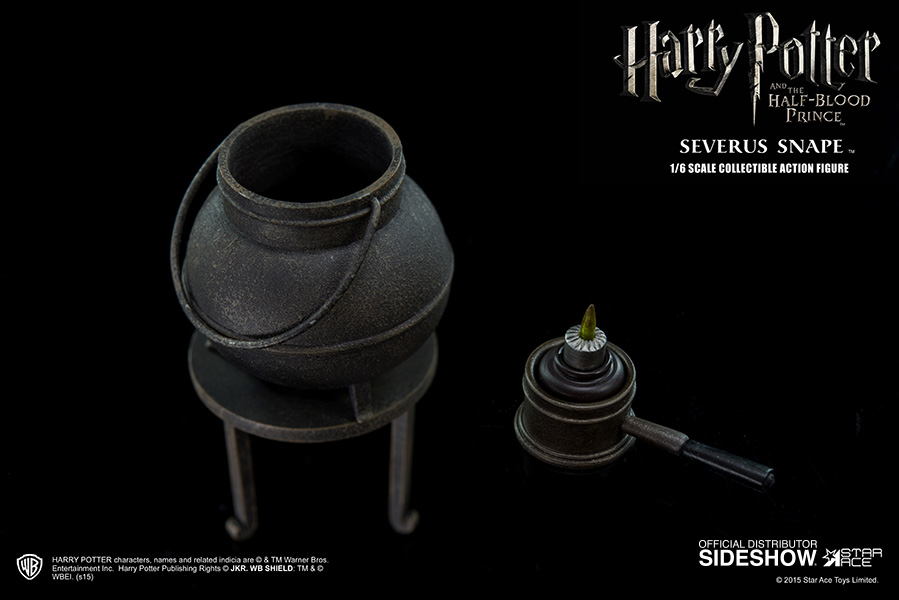 http://www.sideshowtoy.com/assets/products/902576-severus-snape/lg/harry-potter-severus-snape-sixth-scale-star-ace-902576-08.jpg
