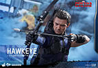 Hot Toys Hawkeye Sixth Scale Figure