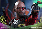 Hot Toys Deadshot Sixth Scale Figure