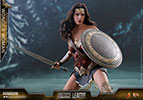 Hot Toys Wonder Woman Sixth Scale Figure