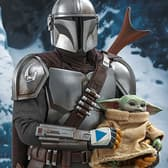 Hot Toys The Mandalorian and The Child Collectible