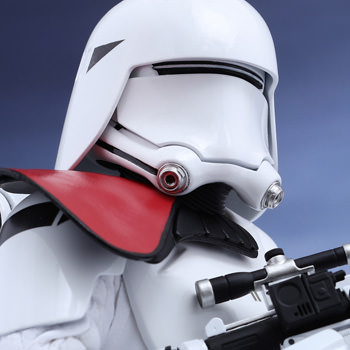 Hot Toys First Order Snowtrooper Officer Collectible