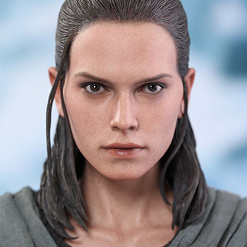 Hot Toys Rey Jedi Training Collectible