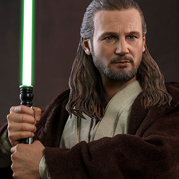 Hot Toys Qui-Gon Jinn Collectible