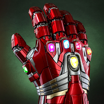 Hot Toys Nano Gauntlet (Hulk Version) Collectible