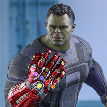 Hot Toys Hulk Collectible