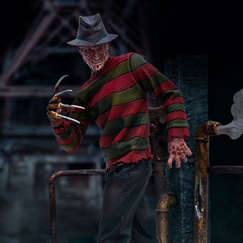 Freddy Krueger Deluxe Collectible