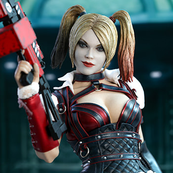 Hot Toys Harley Quinn Collectible