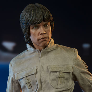 Luke Skywalker Premium Format™ Figure