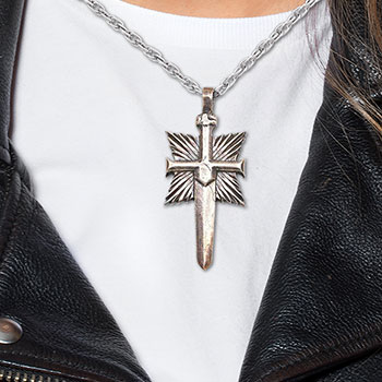 Shard's Crest Pendant Necklace Jewelry