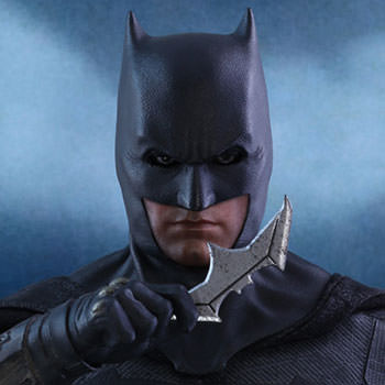 Batman Deluxe Sixth Scale Figure