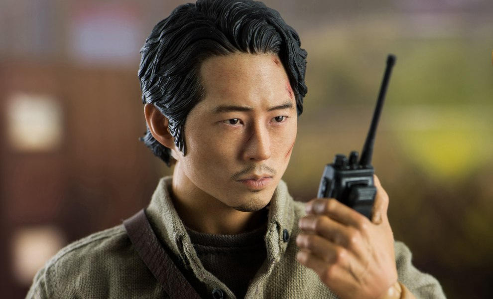Glenn Rhee Deluxe Version Sixth Scale Figure